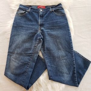 Levi's 550 Classic Relaxed Tapered Leg Mom Jeans